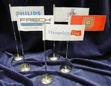 cờ để bàn logo công ty 2