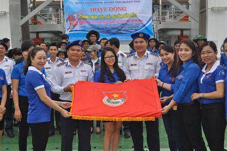 cờ đoàn thanh niên